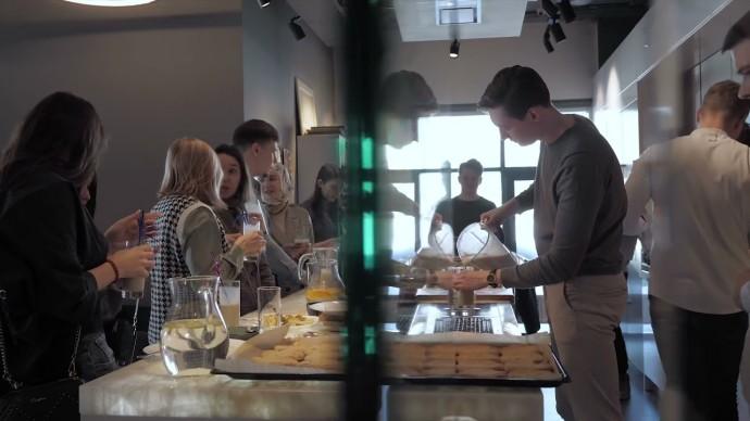 Дизайнерский завтрак «Умный дом» - видео